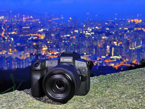 輕巧穿梭城市,享受街拍速寫  Canon 微距定焦鏡 RF 35mm f/1.8 MACRO IS STM